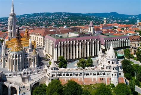 Hotel Hilton, Budapest - 5-star-hotel in the 1st district